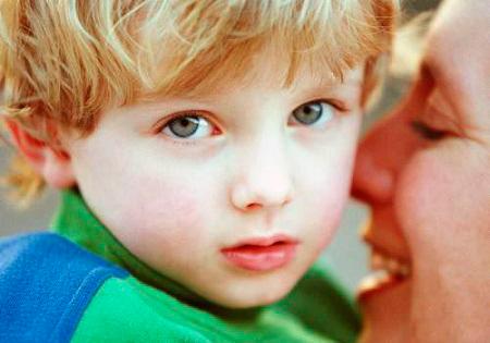 Как понять, что у ребенка аутизм? || Как распознать аутизм в раннем возрасте