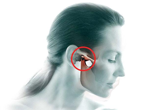 Болит сустав челюсти при жевании