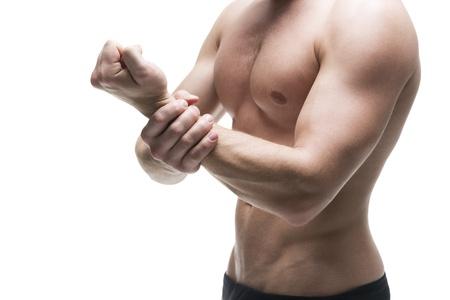 Боль в предплечье руки (правой или левой): причины, лечение, что делать, если болит