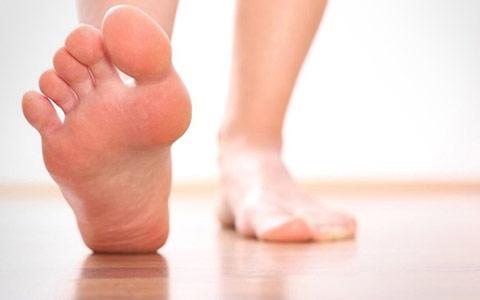 Болит большой палец на ноге: причины, диагностика, лечение